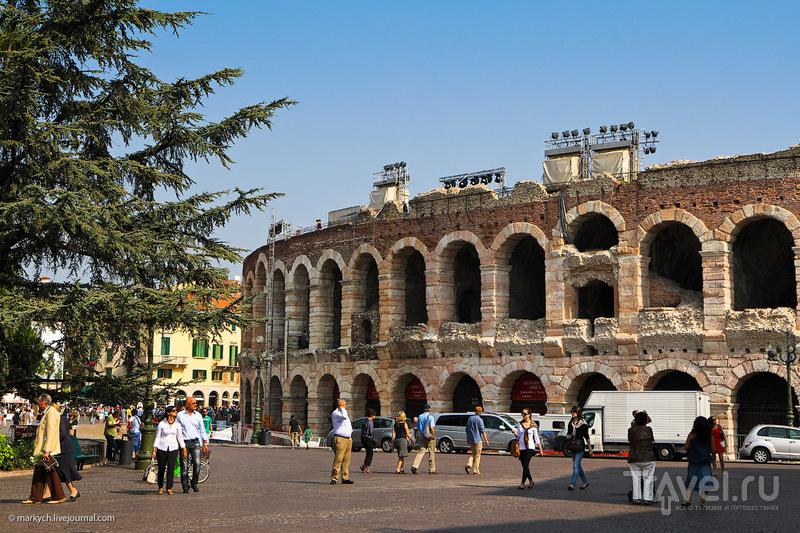 Римский амфитеатр Arena di Verona в Вероне, Италия / Фото из Италии