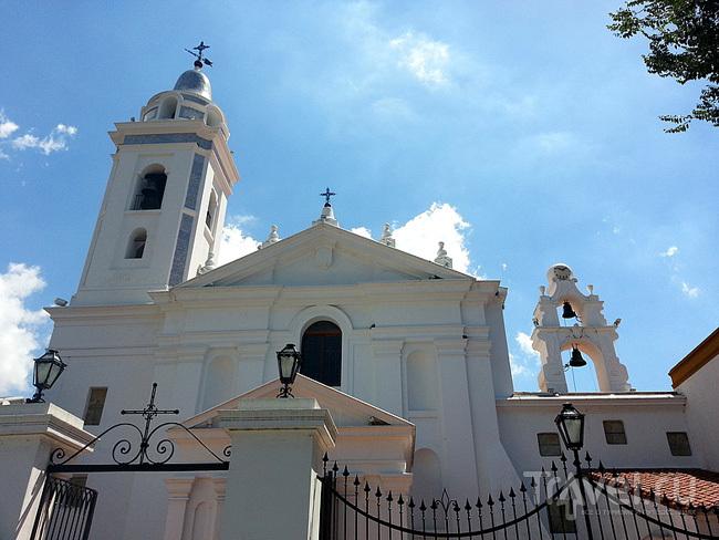 Церковь Эль-Пилар (El Pilar) в Буэнос-Айресе, Аргентина / Фото из Аргентины