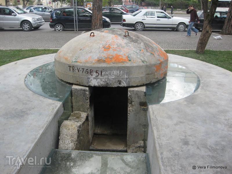 Памятник социалистическому прошлому в Тиране / Албания