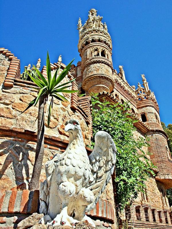 Замок Colomares - воплощенная фантазия о дальних путешествиях и экзотических странах, Испания / Испания