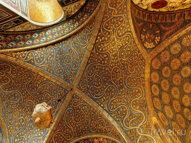 Восстановленные в XIX веке мозаичные своды Ахенского собора, Германия / Германия