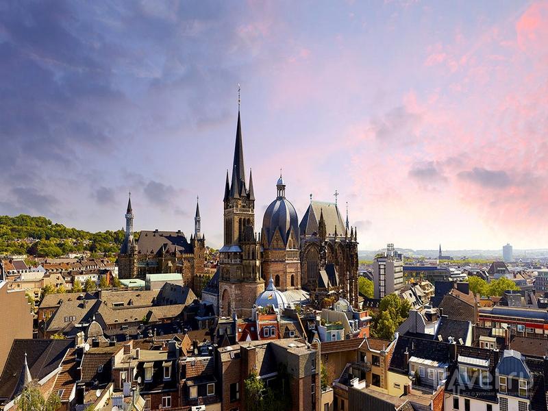 Ахен расположен на границе трех стран - Бельгии, Нидерландов и Германии / Германия