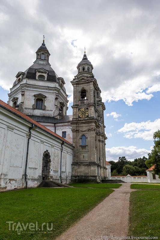 Костел Сретения Святой Девы Марии и Елизаветы в монастыре Пажайслис, Литва / Фото из Литвы