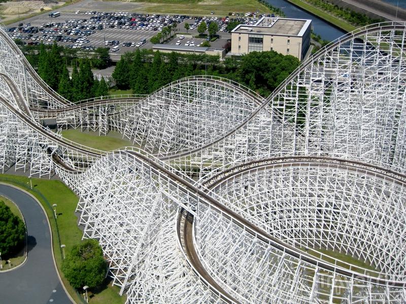 Деревянные американские горки были построены в 1995 году, Япония / Япония