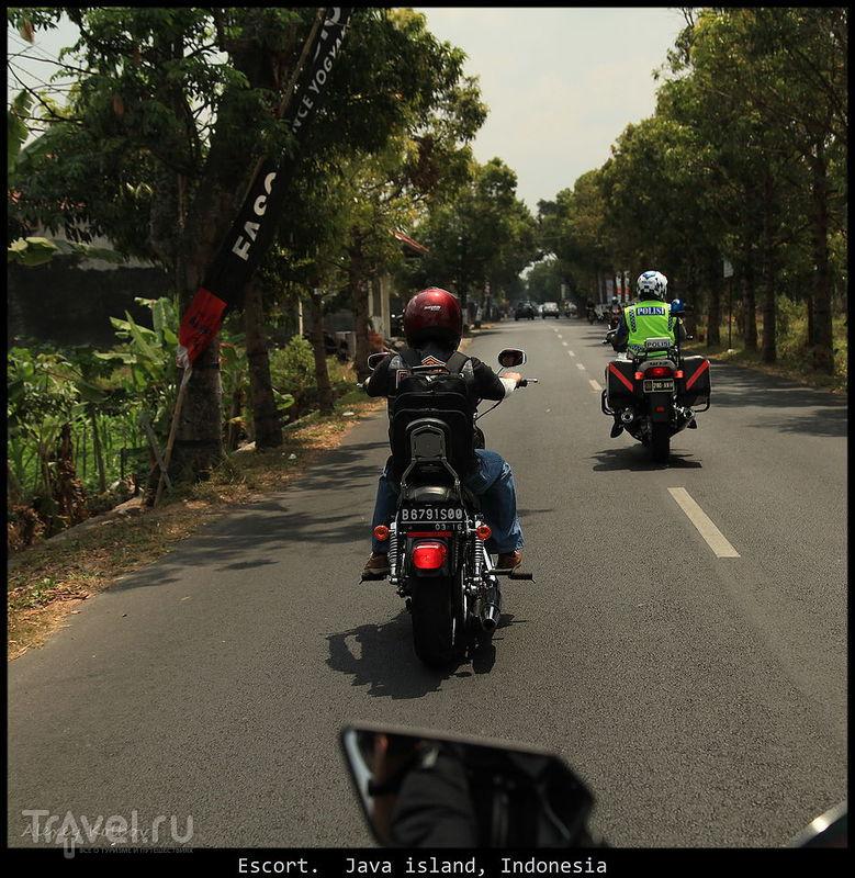 Яванские байкеры на острове-муравейнике / Индонезия