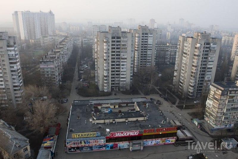 1-й микрорайон Левобережного массива в Киеве, Украина  / Фото с Украины