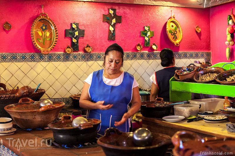 В городе Тепостлан, Мексика / Фото из Мексики