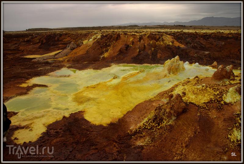 Вулкан Даллол (Dallol). Фумарольные образования / Фото из Эфиопии