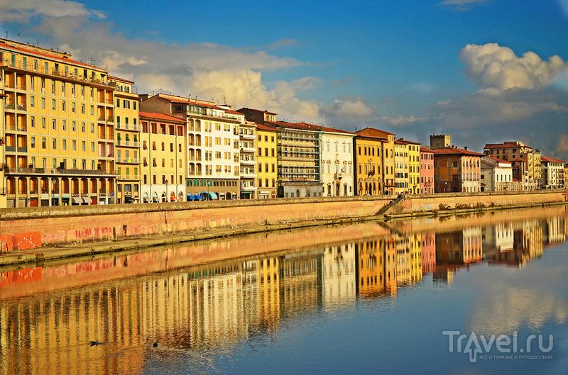 Набережная реки Арно в Пизе, Италия / Фото из Италии