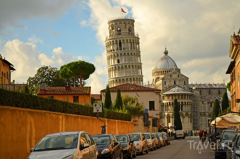 Падающая башня в Пизе, Италия / Фото из Италии