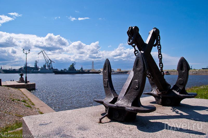 Средняя гавань в Кронштадте, Россия / Фото из России