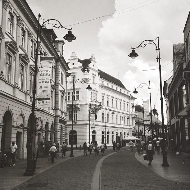 Пешеходная улица Николае Бэлческу в Сибиу, Румыния / Фото из Румынии