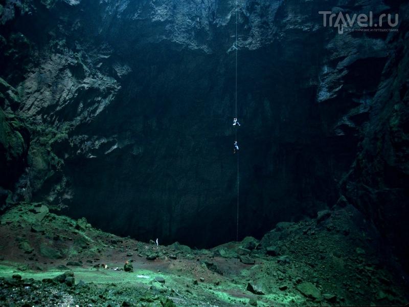 Глубина пещеры Крубера-Воронья составляет 2196 метров, Абхазия / Абхазия