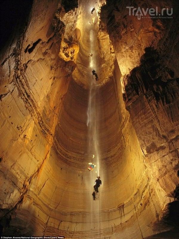 Пещера Крубера-Воронья является частью горного массива Арабика, Абахзия / Абхазия