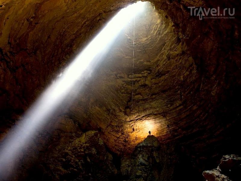 Пещера Крубера-Воронья, расположенная в Абхазии, считается самой глубокой в мире, Абхазия / Абхазия