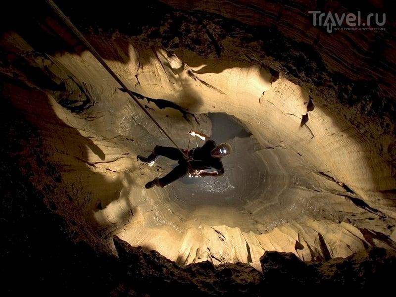 Знания о таинственных подземных ходах пещеры Крубера-Воронья умножаются с каждым новым спуском, Абхазия / Абхазия