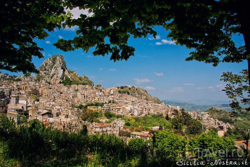 Город Кальтабеллотта, Италия / Фото из Италии