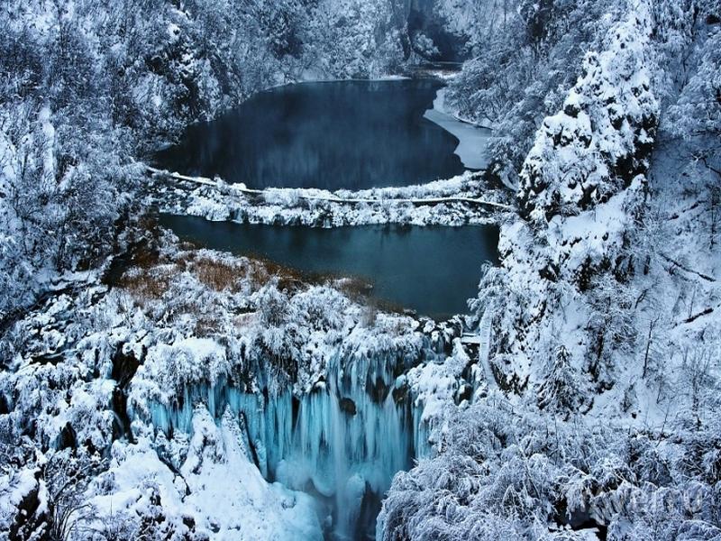 "Зимние пейзажи заповедника ""Плитвицкие озера"", Хорватия / Хорватия"