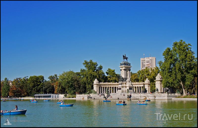 Парк Ретиро (исп. Parque del Buen Retiro) в Мадриде, Испания / Фото из Испании