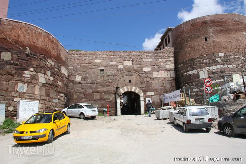 Южные ворота Цитадели в Анкаре, Турция / Фото из Турции