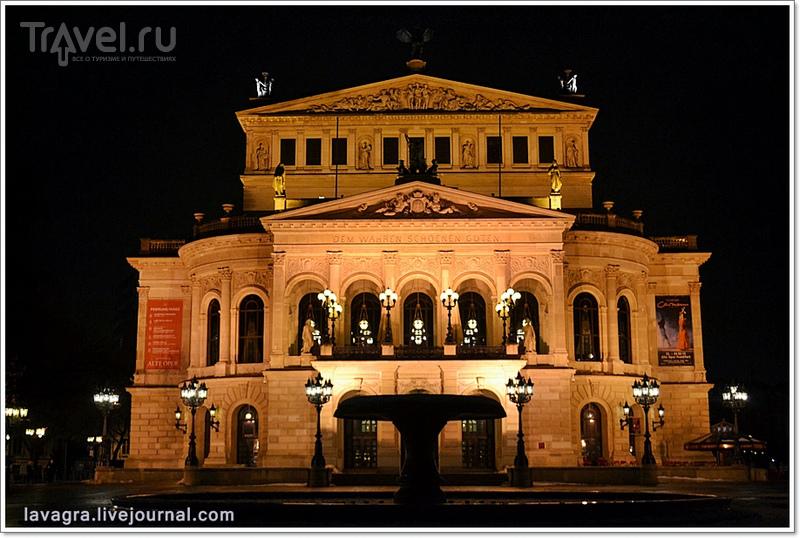 Старая Опера во Франкфурте-на-Майне, Германия / Фото из Германии