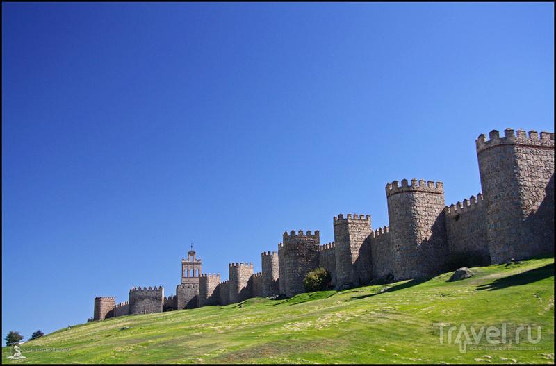 Крепостная стена Авилы / Фото из Испании
