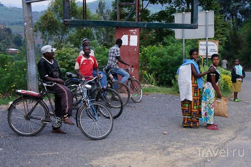 В городе Кибуйе, Руанда / Фото из Руанды