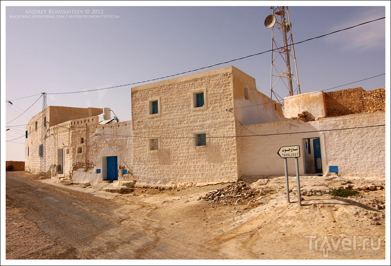 В городе Тамезрет (Tamezret), Тунис / Фото из Туниса