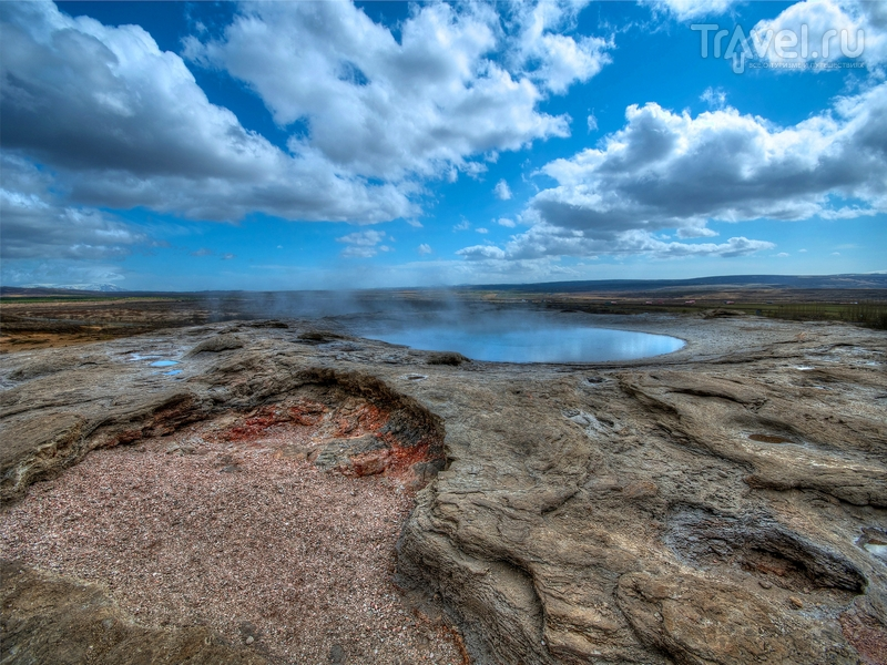 В долине Хаукадалур расположено порядка сорока горячих источников, Исландия / Исландия