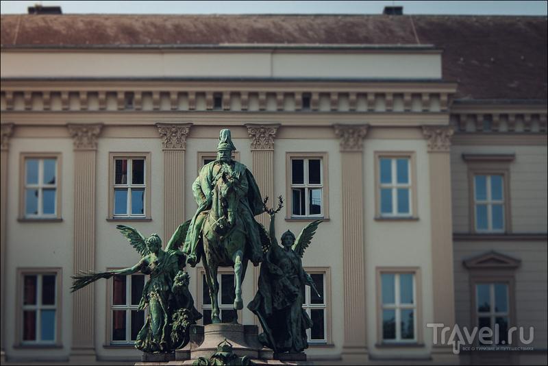 Памятник кайзеру Вильгельму в Дюссельдорфе, Германия / Фото из Германии