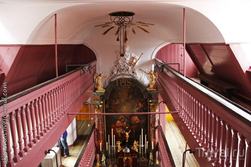 Амстердам: потайная церковь в квартале красных фонарей / Нидерланды