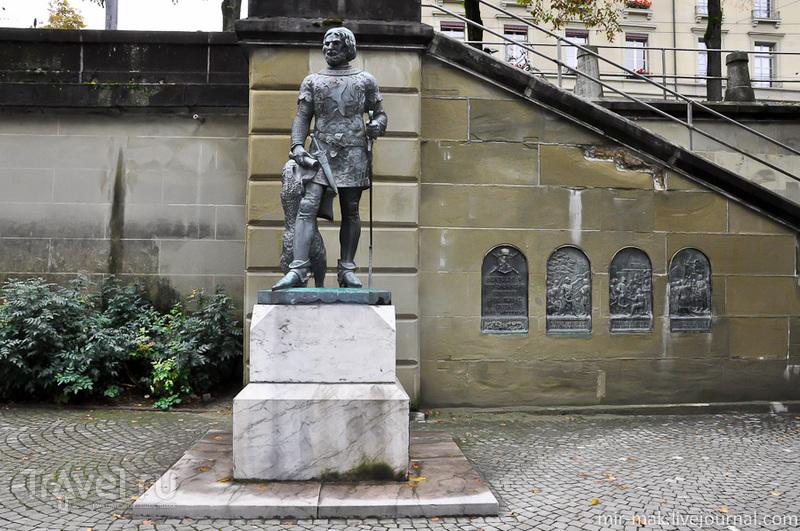 Памятник герцогу Берхтольд фону Церингену в Берне, Швейцария / Фото из Швейцарии