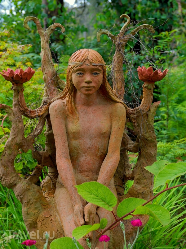 Десятки иÐваяний иРобожженной глины и дерева в саду скульптур Бруно Торфса, Австралия / Австралия