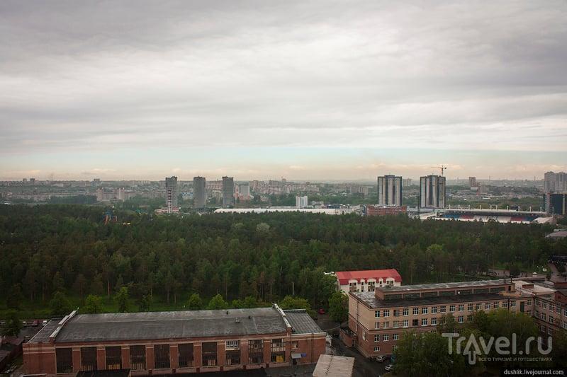 Вид на Челябинск с крыши главного корпуса ЮУрГУ / Фото из России