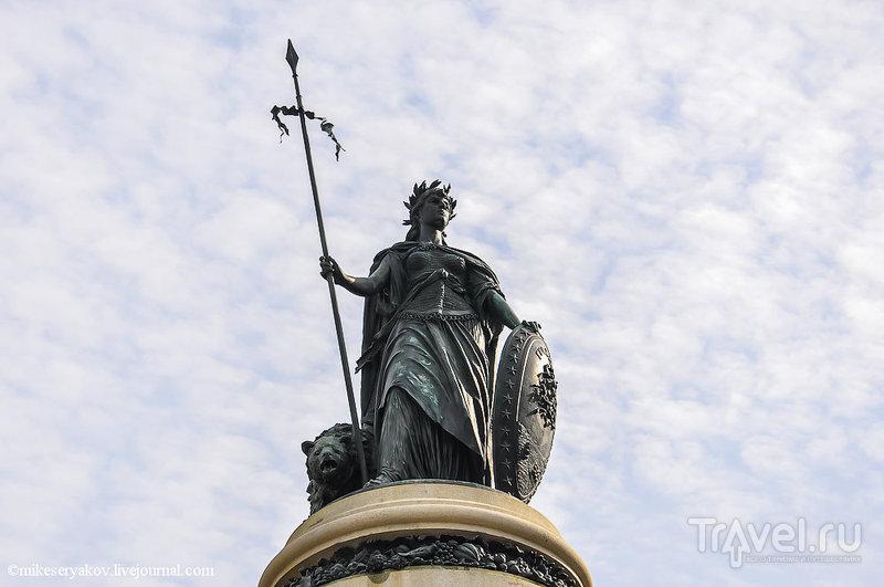 Памятник Первооткрывателям в Сан-Франциско, США / Фото из США