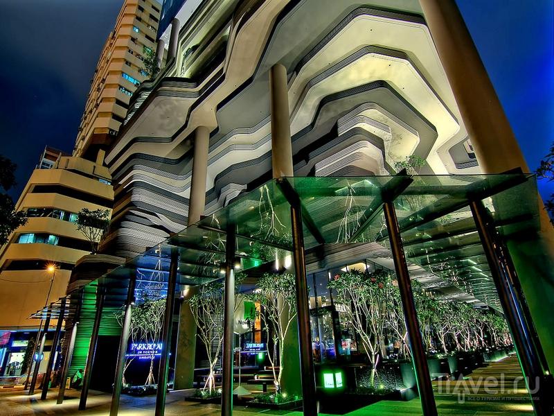 Зеленые насаждения Parkroyal on Pickering занимают площадь 15 тысяч квадратных метров / Сингапур