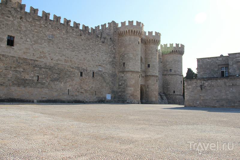 Дворец Великих Магистров на острове Родос, Греция / Фото из Греции