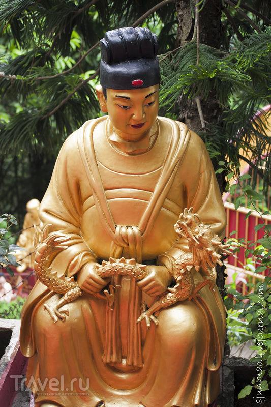 Монастырь 10000 Будд в Гонконге / Фото из Гонконга