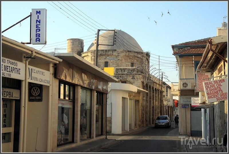 Ларнака: церковь Лазаря, пасхальные яйца и летающая мебель / Кипр
