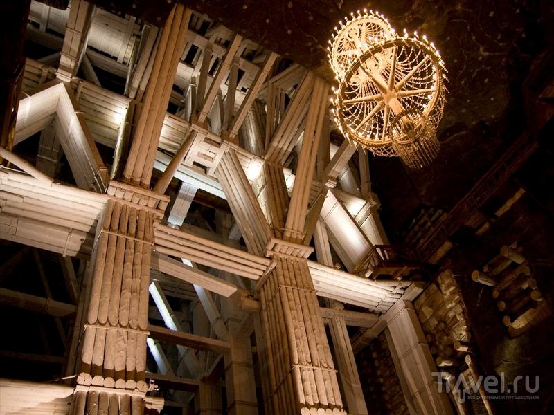 Прогулка по тоннелям, осмотр часовни и музея займут в среднем два с половиной часа / Польша