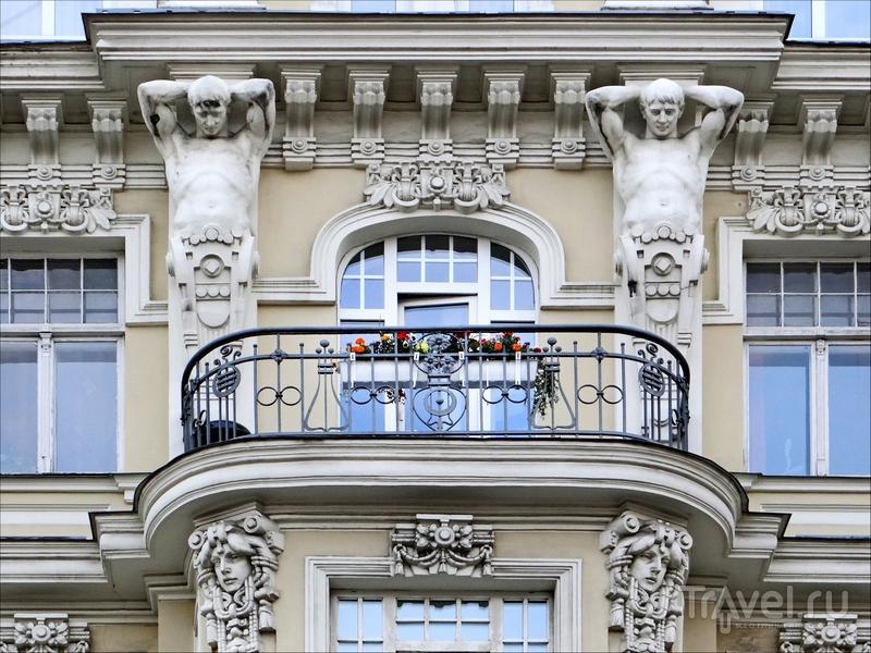 Архитектурные особенности рижского модерна - это многообразие деталей на фасадах зданий, Латвия / Латвия
