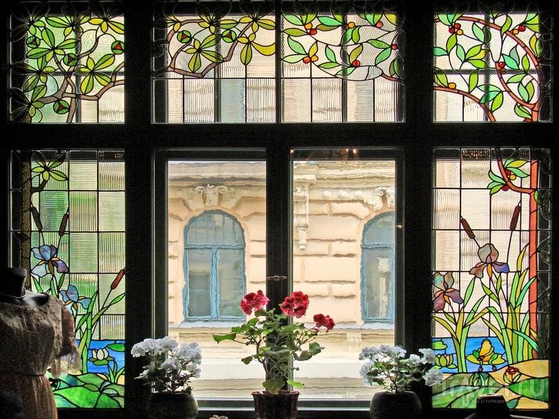 Вид из окна на рижскую улицу Альберта, застроенную в период с 1903 по 1906 год, Латвия / Латвия