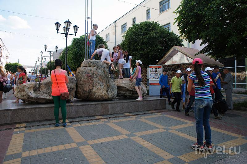 3 камня Cолнца и Любви в Чебоксарах, Россия / Фото из России