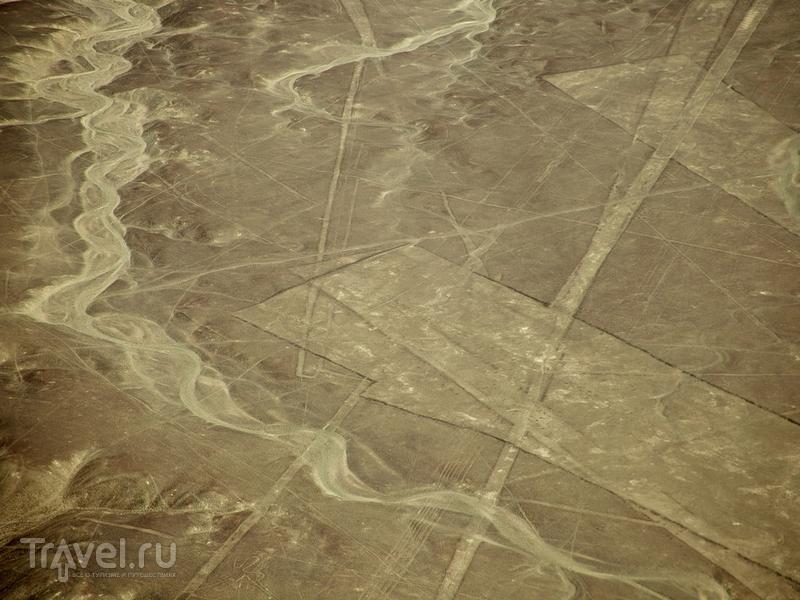 В 1994 году геоглифы пустыни Наска внесены в Список Всемирного наследия ЮНЕСКО, Перу / Перу