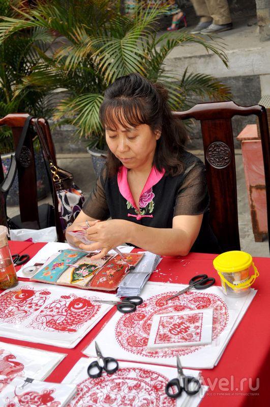 Мастер за работой / Фото из Китая