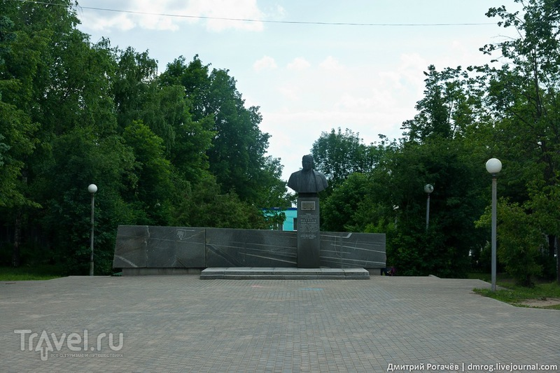 Памятник Туполеву в городе Кимры, Россия / Фото из России