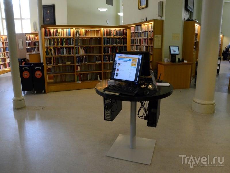 Электронный заказ книг в городской библиотеке Турку, Финляндия / Фото из Финляндии