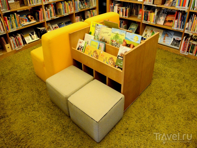 Книги для малышей в городской библиотеке в Турку, Финляндия / Фото из Финляндии
