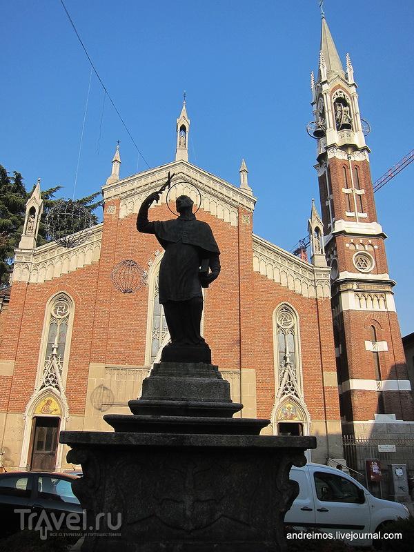 Карло Борромео (Carlo Borromeo) в Монце, Италия / Фото из Италии