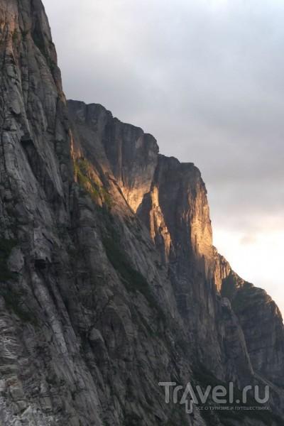 Поход на парусной яхте в Люсефьорд / Норвегия